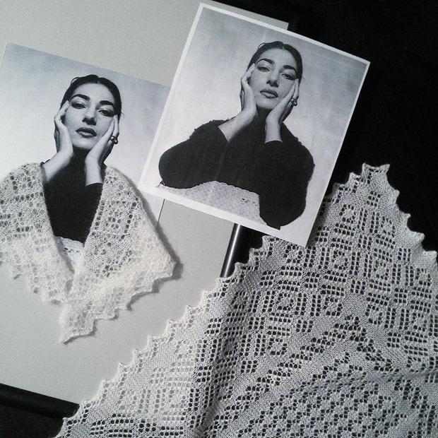 divas-in-shawl-02